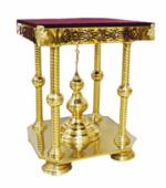 Подставка под ковчег четырех-опорная, высокая, с куполом и крестом, с литыми накладками, с восьми - угольным основанием, с бархатом